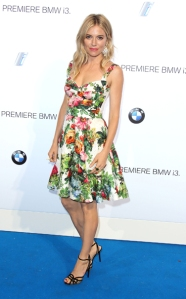 02-best-dressed-sienna-miller_133332564399.jpg_bestdressed_item