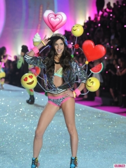 "Sara Sampaio gets in touch with her inner kid in this adorable set. Sampaio is 22 and 5'8""."