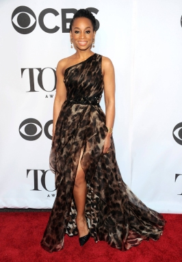 Anika-Noni-Rose-In-Badgley-Mischka-2014-Tony-Awards